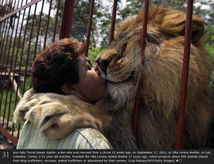 2011 Jupiter kissing Ana Julia Torres Luis Robayo, AFP Getty Images