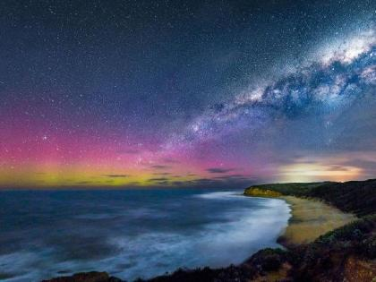 Aurora australis from Bells Beach, Victoria. Photograph by Pete James Photography.